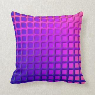 ピンクおよび紫色のファンキーな正方形パターン クッション