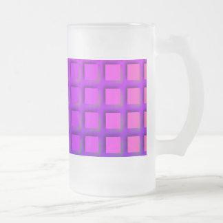 ピンクおよび紫色のファンキーな正方形パターン フロストグラスビールジョッキ