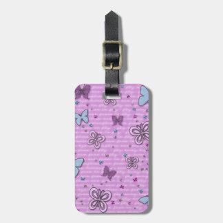 ピンクおよび紫色の蝶パターン ラゲッジタグ