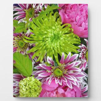ピンクおよび緑の花花束 フォトプラーク