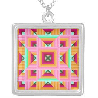 ピンクおよび緑キルトパターン3 シルバープレートネックレス