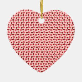 ピンクおよび赤いバレンタインデーのハートパターンギフト セラミックオーナメント