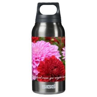 ピンクおよび赤いミイラのwaterbottle 断熱ウォーターボトル