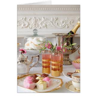 ピンクおよび金ゴールドのバースデー・カード、英国の茶、ケーキ カード
