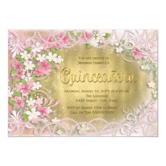 ピンクおよび金ゴールドホイルの花柄Quinceañera 12.7 X 17.8 インビテーションカード
