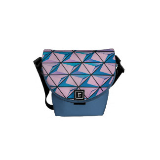 ピンクおよび青く幾何学的なパターン メッセンジャーバッグ