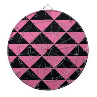 ピンクおよび黒い三角形 ダーツボード