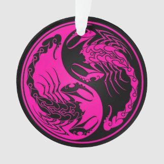 ピンクおよび黒い陰陽の蠍 オーナメント
