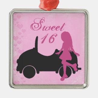 ピンクおよび黒の菓子16のシルエット女の子および車 メタルオーナメント