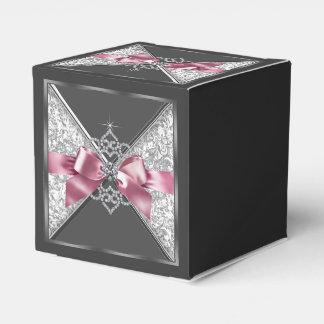 ピンクおよび黒ダイヤの菓子16 フェイバーボックス