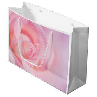 ピンクでかわいらしい ラージペーパーバッグ