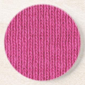 ピンクによって編まれるウール コースター