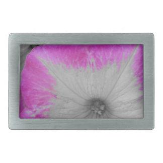 ピンクによって縁を付けられる白黒ペチュニア 長方形ベルトバックル