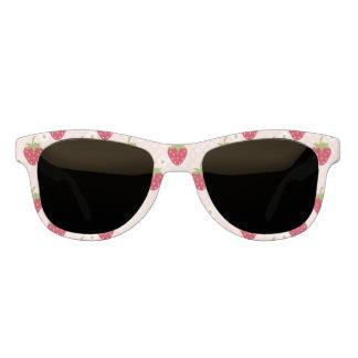 ピンクのいちごのプリント サングラス
