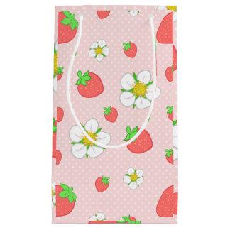 ピンクのいちごの点 スモールペーパーバッグ