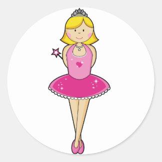 ピンクのかわいらしいブロンドのバレリーナ ラウンドシール