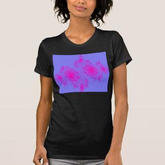 ピンクのくしゃみの女性Tシャツ Tシャツ