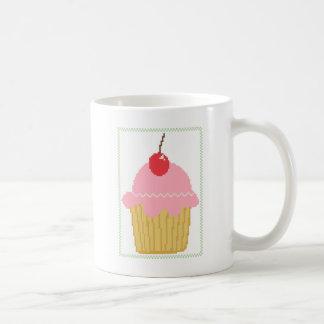 ピンクのさくらんぼのカップケーキ コーヒーマグカップ