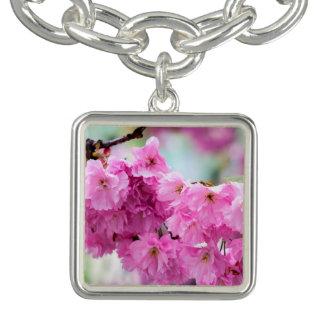 ピンクのさくらんぼの桜の木 チャームブレス