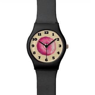 ピンクのつや消しのドーナツは振りかけ、 腕時計