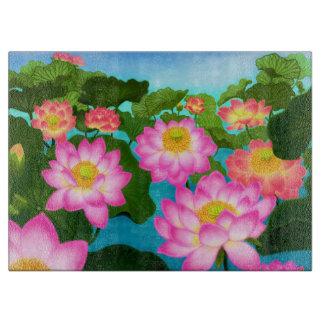 ピンクのはす《植物》スイレンの庭によってはまな板が開花します カッティングボード