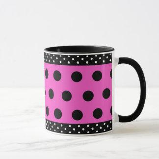 ピンクのむらがあるマグの黒い水玉模様 マグカップ