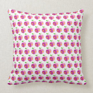 ピンクのりんごパターン枕 クッション