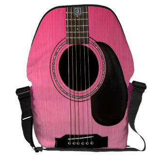 ピンクのアコースティックギター メッセンジャーバッグ