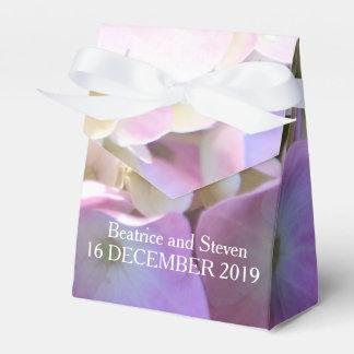 ピンクのアジサイの花びらの結婚式の引き出物箱 フェイバーボックス