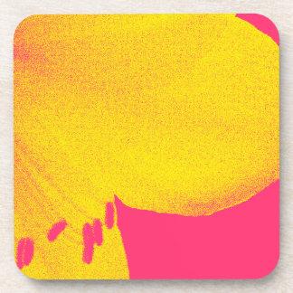 ピンクのアマリリスのクローズアップの黄色 コースター