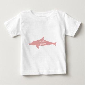 ピンクのイルカ ベビーTシャツ
