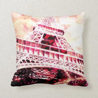 ピンクのエッフェル塔の装飾用クッション クッション