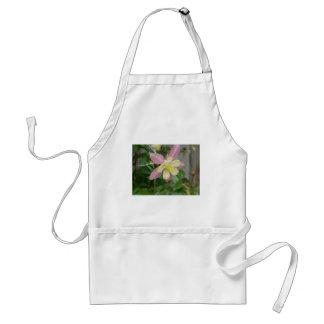 ピンクのオダマキ(植物) スタンダードエプロン