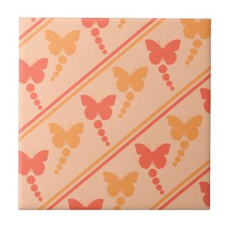 ピンクのオレンジモモの蝶点のストライプのプリント タイル