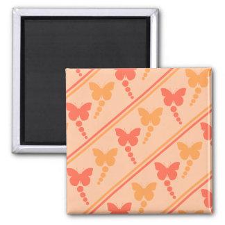 ピンクのオレンジモモの蝶点のストライプのプリント マグネット