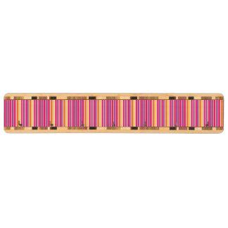 ピンクのオレンジ紫色のカラフルでガーリーでストライプなパターン キーラック