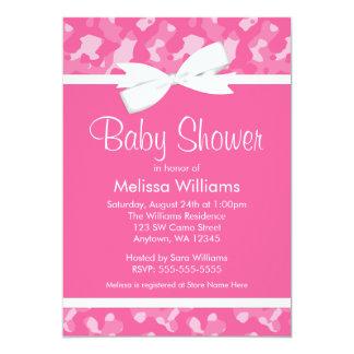 ピンクのカムフラージュによって印刷される弓ベビーシャワー カード