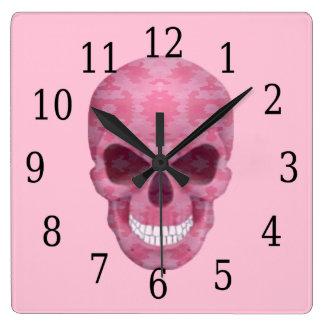 ピンクのカムフラージュのスカルの時計 クロック