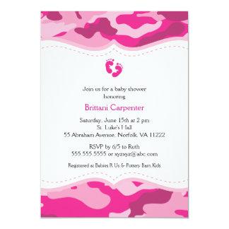 ピンクのカムフラージュの女の子のベビーシャワーの招待状 カード