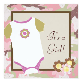 ピンクのカムフラージュの女の赤ちゃんのシャワーの招待状 13.3 スクエアインビテーションカード