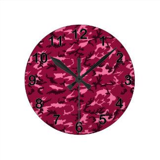 ピンクのカムフラージュ ラウンド壁時計