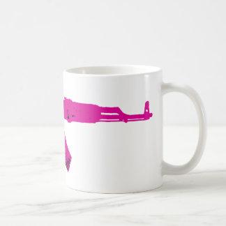 ピンクのカラシニコフ自動小銃 コーヒーマグカップ