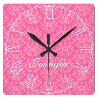ピンクのカンガルー・ポー及びハートのダマスク織の名前の柱時計 スクエア壁時計