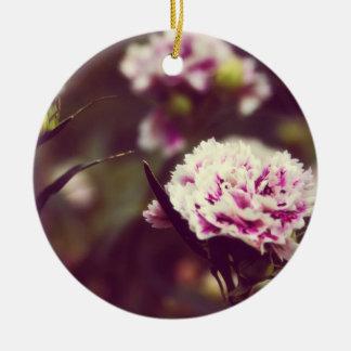 ピンクのカーネーションによってはヴィンテージのlomoが開花します セラミックオーナメント