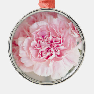 ピンクのカーネーションの花 メタルオーナメント