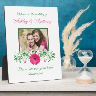 ピンクのガーベラのデイジーの緑の花の結婚式の写真 フォトプラーク
