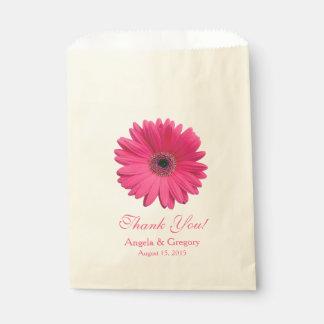 ピンクのガーベラのデイジーキャンデーのビュッフェの結婚式の引き出物 フェイバーバッグ