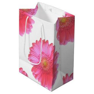 ピンクのガーベラのデイジー ミディアムペーパーバッグ