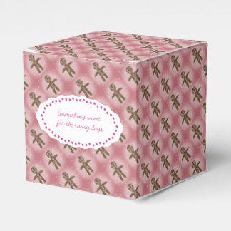 ピンクのクッキー箱は文字をカスタマイズ フェイバーボックス
