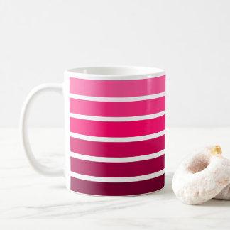ピンクのグラデーションな勾配のカラフルのストライプ コーヒーマグカップ